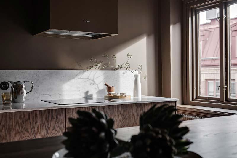 marmeren werkblad houten keuken