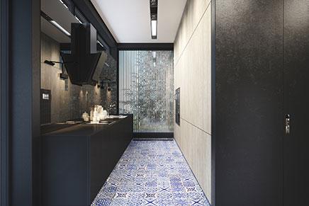 Smalle Keuken Ideeen.Mat Zwarte Keuken Met Delfst Blauwe Tegels Inrichting Huis Com