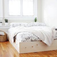 Minimalistisch DIY houten bedframe