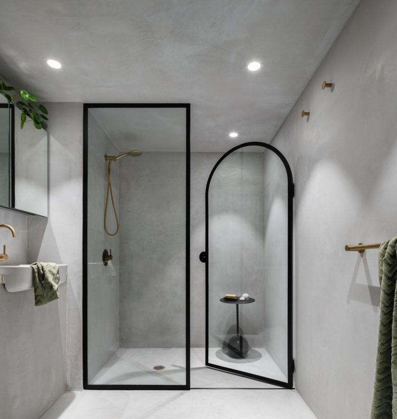 Minimalistische beton cire badkamer
