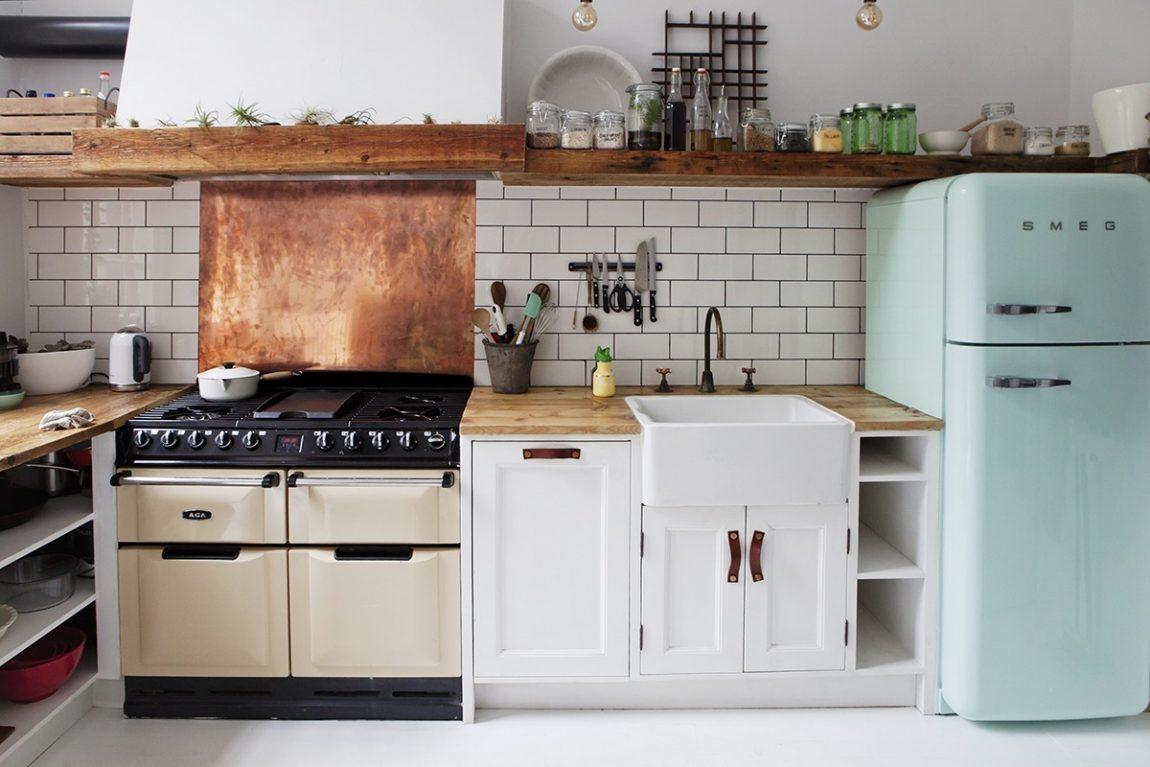 mintgroene smeg koelkast eclectische keuken