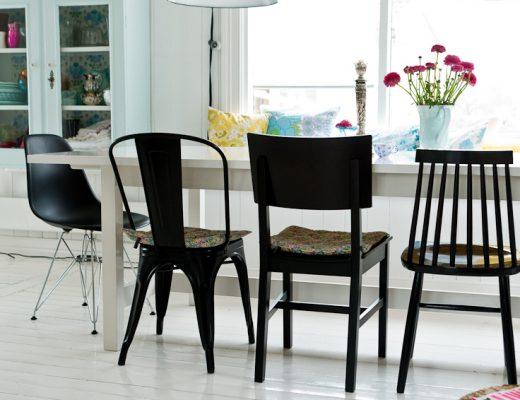Mix van zwarte stoelen