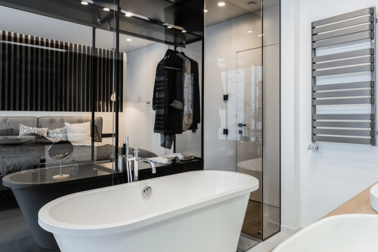 modern-vrijstaand-bad