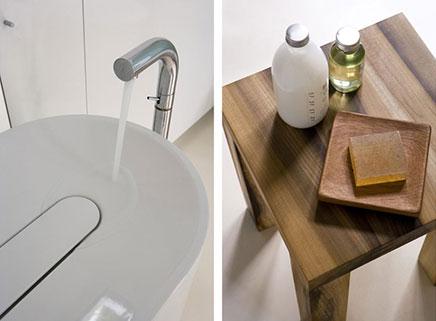Moderne badkamer met strakke afwerking inrichting - Scherm huis ...