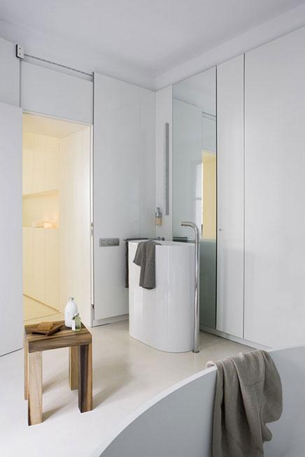 Moderne badkamer met strakke afwerking