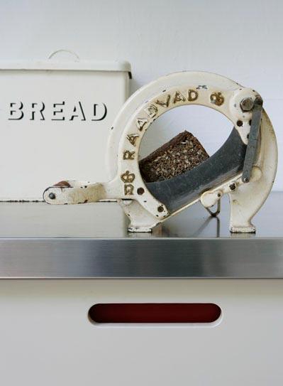 Moderne Küche mit antiken Details