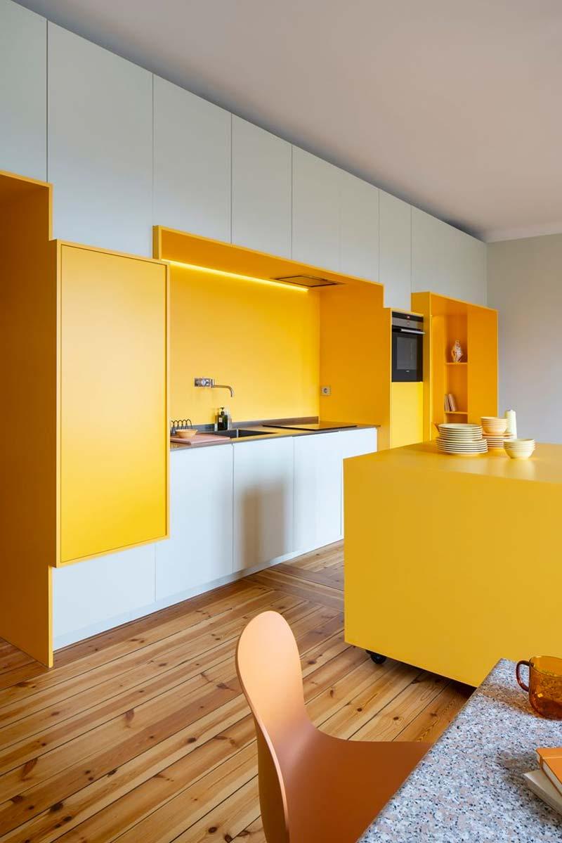 moderne okergele keuken