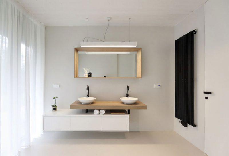 Moderne Scandinavisch Geinspireerde Badkamer Met Zwart Wit En Hout Inrichting Huis Com