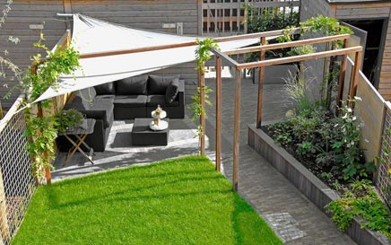 Moderne tuin in vathorst inrichting for Terras modern huis