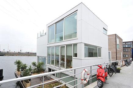Moderne watervilla te koop IJburg