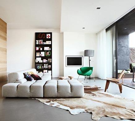 Moderne woonkamer in ijburg inrichting - Kleine moderne woonkamer ...