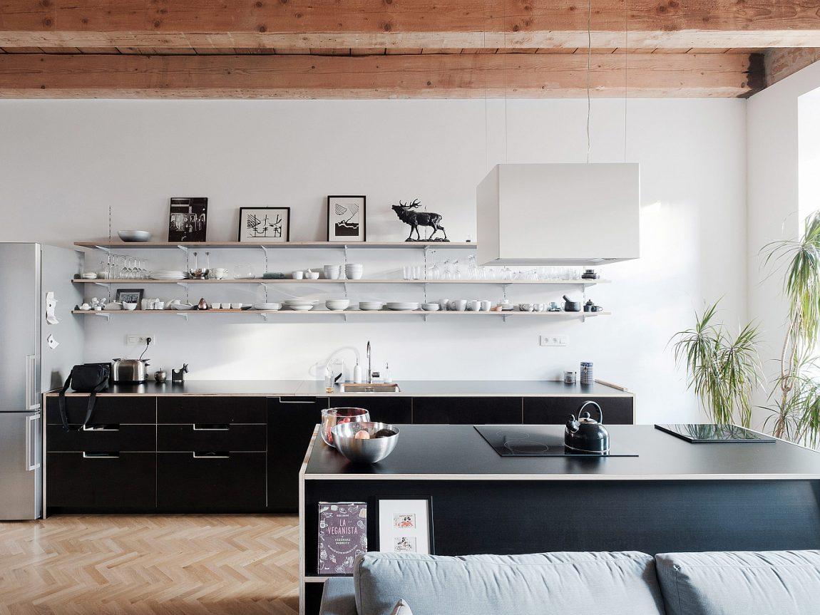 moderne-zwarte-keuken-kookeiland