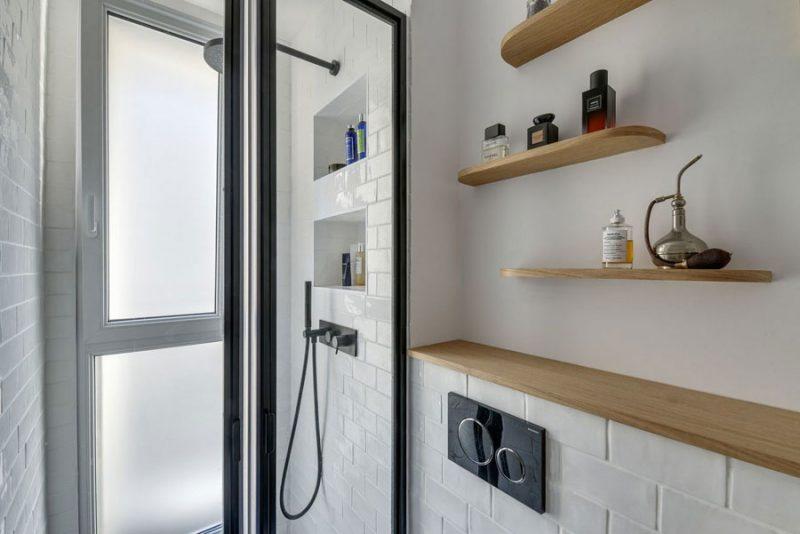 Mooi badkamerontwerp in een klein appartement van 37m2