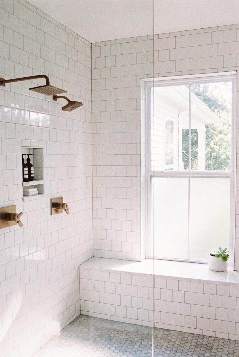 Mooie authentieke badkamer van Clary en Travis