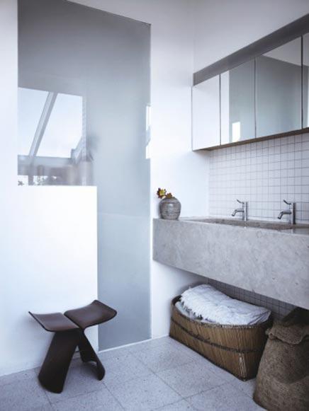 http://www.inrichting-huis.com/wp-content/afbeeldingen/mooie-badkamer-met-serre3.jpg
