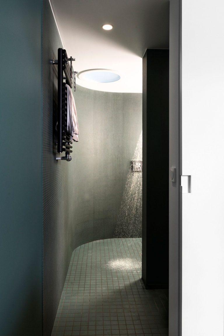 mooie-half-open-badkamer-slaapkamer
