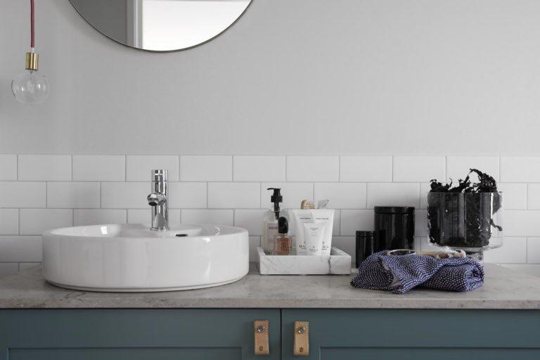 Mooie Japans geïnspireerde Scandinavische badkamer