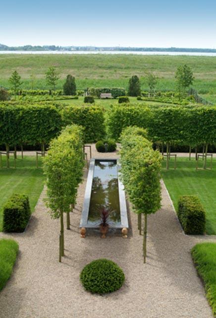 Mooie tuin in nog mooiere omgeving inrichting for Mooie tuinen afbeeldingen
