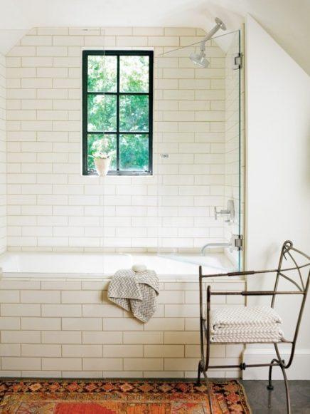 Mooie vloerkleed in badkamer
