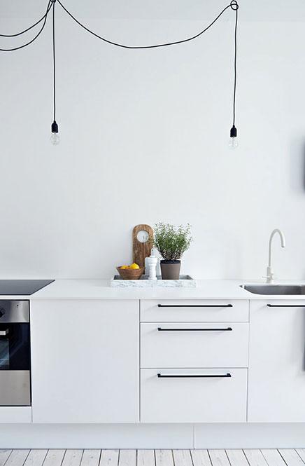 Zwarte Keuken Handgrepen : Mooie witte keuken Inrichting-huis.com