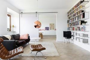 Kleurrijke boekenkast fotobehang inrichting for Mooie woonkamer inrichting