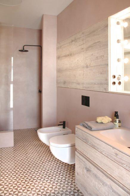 De mooiste roze badkamer!