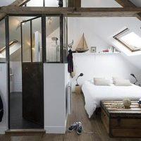 Zolder slaapkamer met badkamer