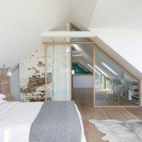 Zolder slaapkamer met dakkapel