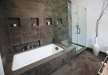Mozaiek tegels pebbles badkamer bathroom pinterest mosaics van and wands - Badkamer inrichting ...
