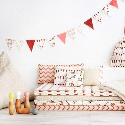 kinderkamer lounge van stapels matrassen inrichting huis
