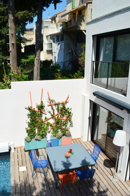 Onderhoudsvriendelijke tuin met zwembad