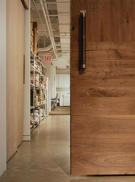 Ontwerp showroom en kantoor combinatie