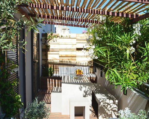Ontwerp zonnig balkon terras van 30m2
