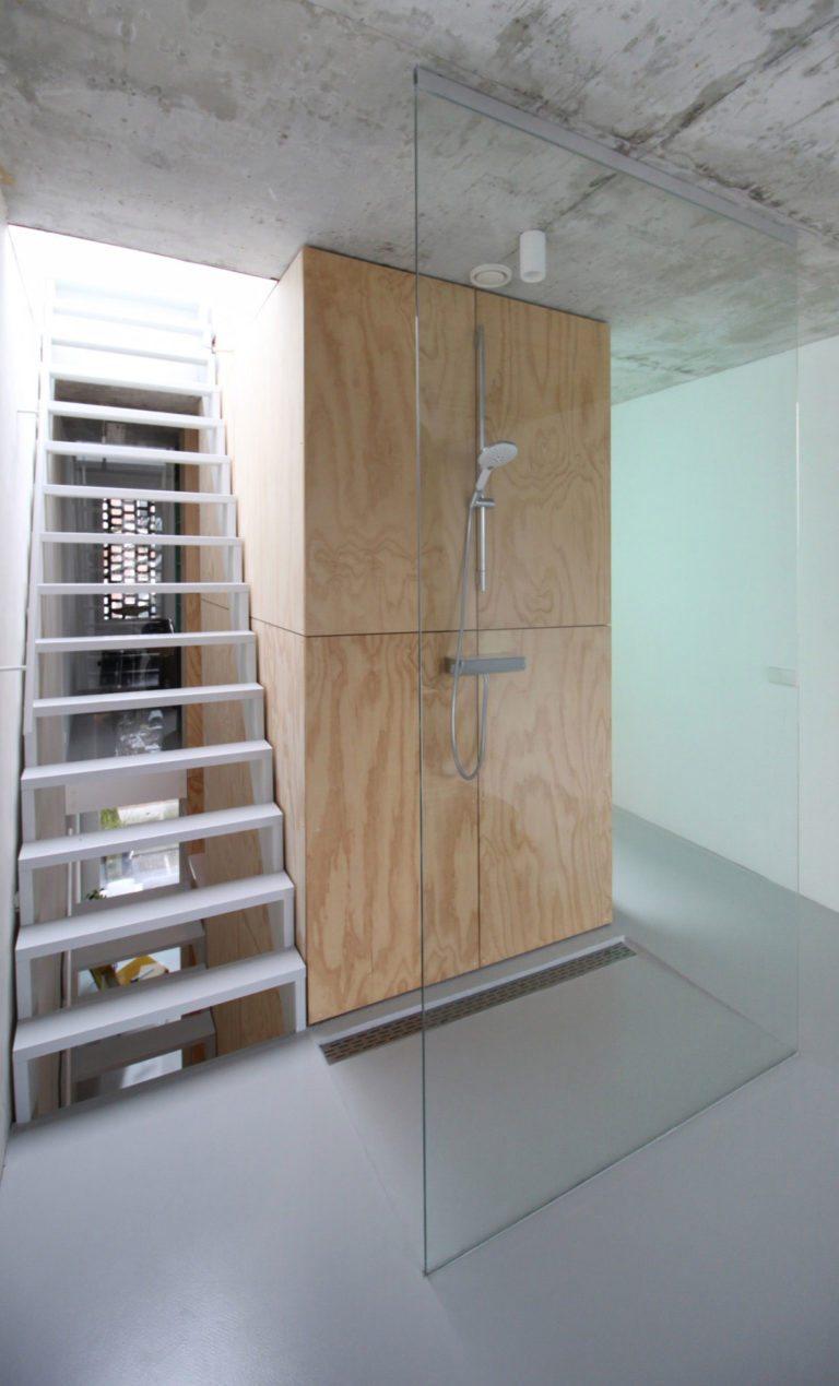 op-maat-gemaakte-douchewand-plafond