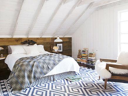 Open inloopkast in slaapkamer