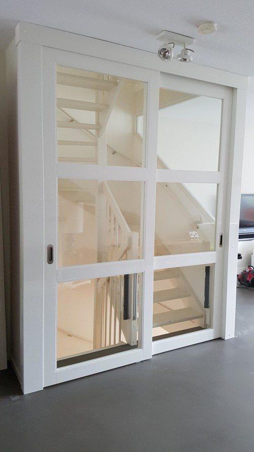 Open trap dichtmaken met deur