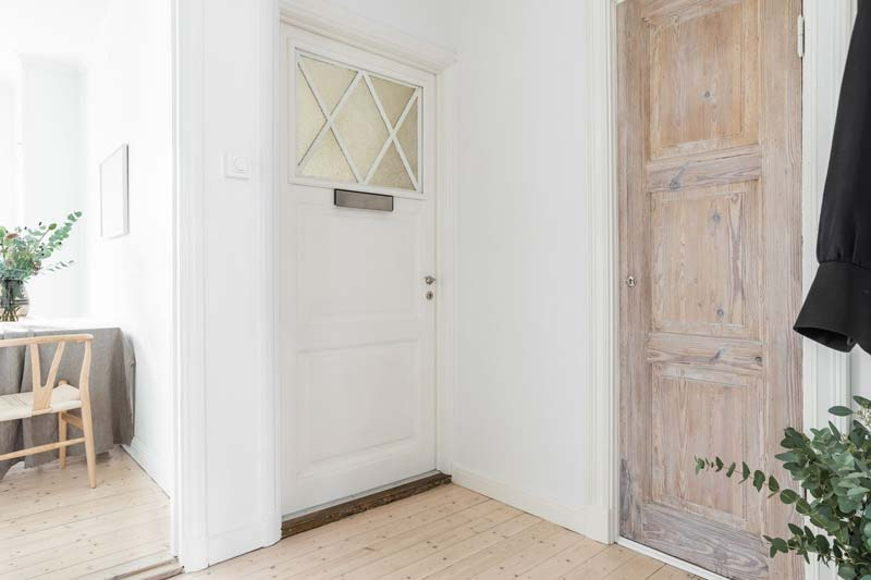 opgeschuurde houten deur