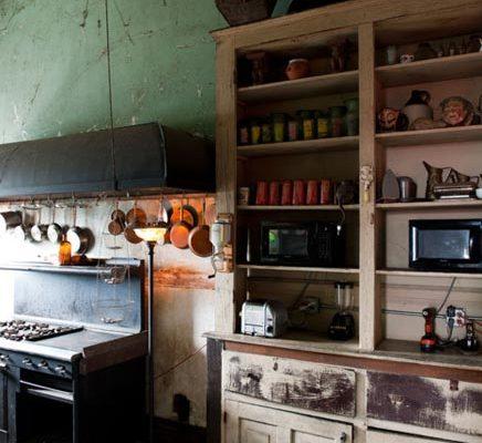 Ruime keuken met mooi hoog plafond inrichting - Keuken in het oude huis ...