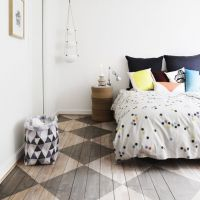 Patroon schilderen op houten vloer