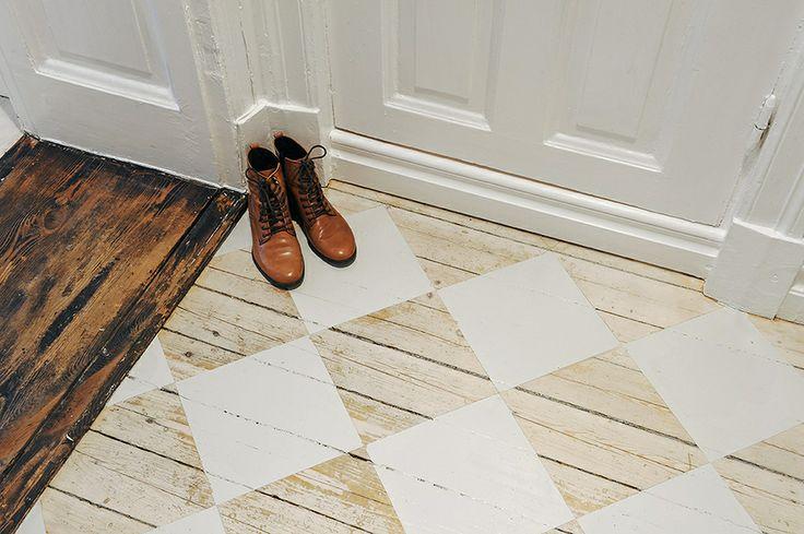 Patroon schilderen op houten vloer inrichting huis
