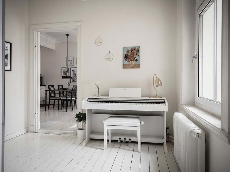 piano in hal