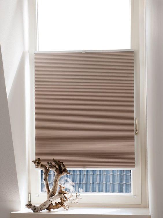 Raamdecoratie voor de koekoek ramen in de souterrain | Inrichting ...