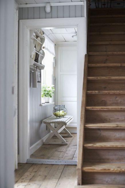Rauwe houten trap