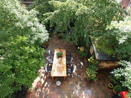 Romantische tuin idee n uit rotterdam inrichting for Kleine stadstuin ideeen