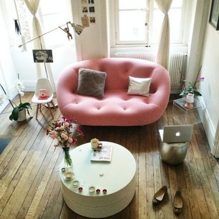 Roze love seat