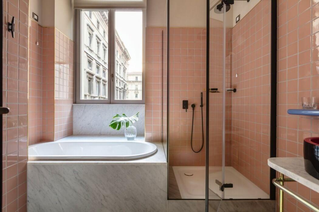 roze-tegels-marmer-badkamer