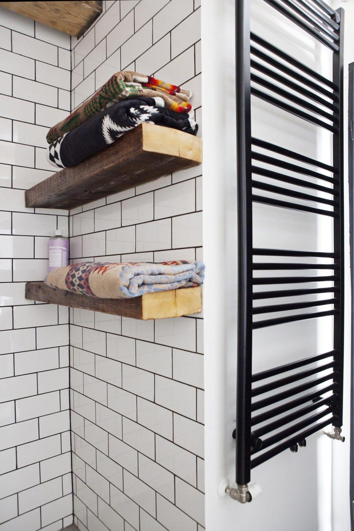 rustieke-houten-planken-badkamer