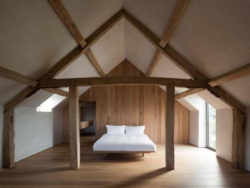 rustieke landelijke slaapkamer op zolder
