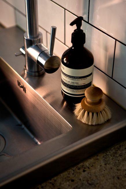 RVS spoelbak in keuken