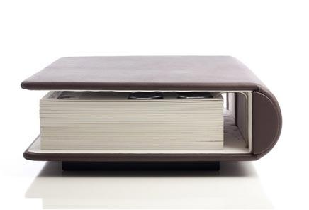 Salontafel in de vorm van een sprookjesbook